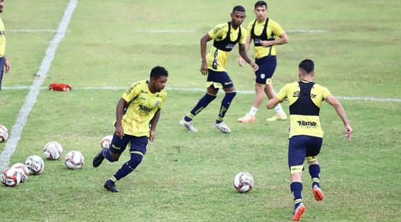 Dois jogadores do Vitória-BA chegam por empréstimo